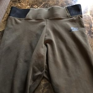 Nike leggings/yoga pants